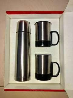 BNIB Stainless Steel Vacuum Flask and Double Wall Cups Gift Set