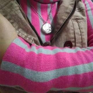 售/換物可)RING高翻領套頭粉灰直條針織毛衣