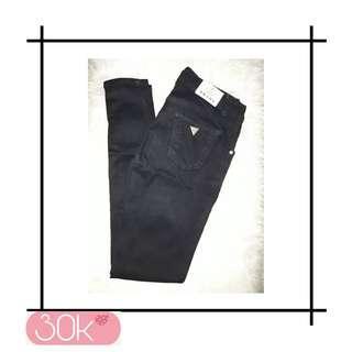 Celana Jeans Hitam