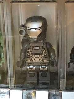 Lego War Machine minifigure Marvel