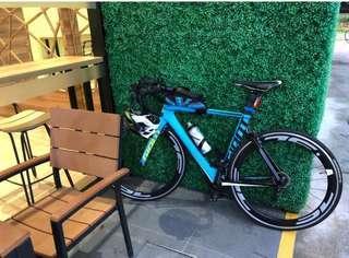 Road bike bicycle Giant propel advanced SL (s size)