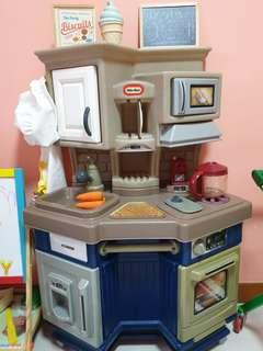 🚚 Little Tikes Kitchen Set