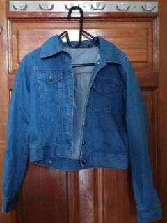 🚚 Cropped Denim Jacket
