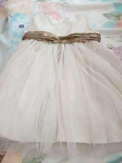 🚚 White Dress