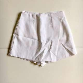 白色短裙褲 white Skirt/ short