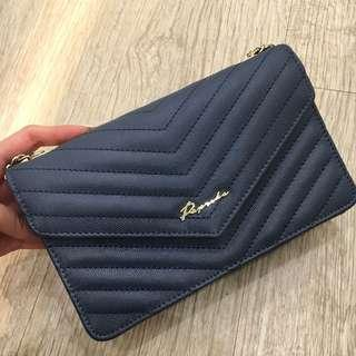Paprika leather bag