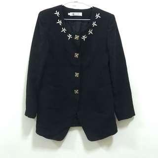 《台中》黑色復古金釦外套