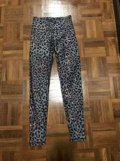 Cotton on full length leggings in animal print