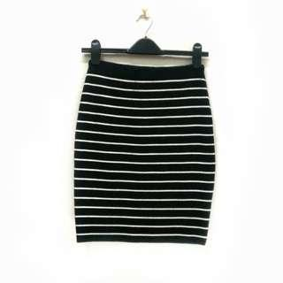 M.deux Stripes Pencil Skirt. Stretchable. Made in Korea.