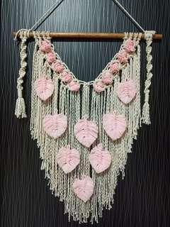 Macrame feather pink