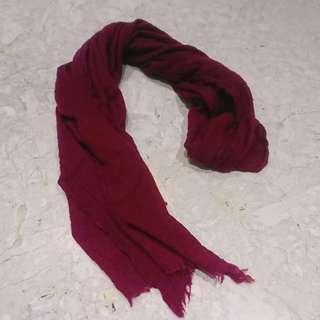 暗紅色薄圍巾(披肩)