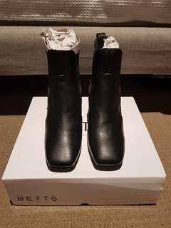 Betts Oxford Black