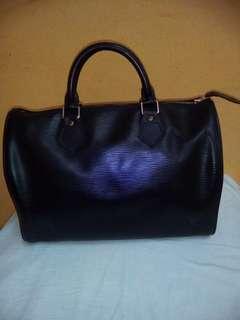 LV speedy 30 epi leather