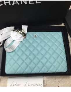 Chanel Tiffani blue o case medium