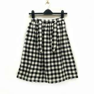 Zara Girls Checkered Skirt with sided Pockets. Stretchable Waist. Made in Morocco