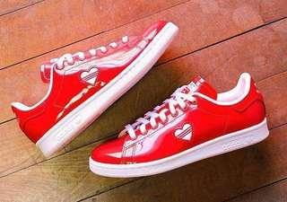 BNIB Limited Edition Authentic Adidas Active Red Valentine Stan Smith