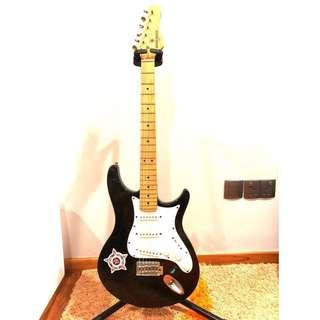 🚚 GOING CHEAP! Behringer Electric Guitar 🎸 (Used and in GREAT CONDITION)