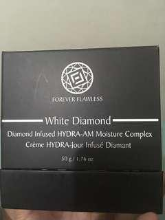 Forever Flawless White Diamond Moisture