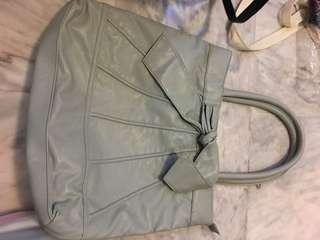🚚 Grey Handbag