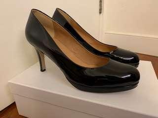 "Pedder Red Black Heels (3"")"