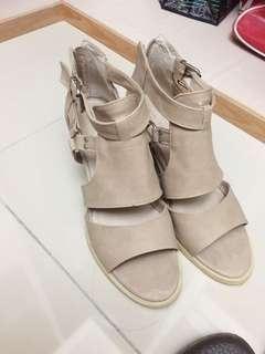 🚚 超好穿 氣質真皮羅馬跟鞋 露趾鞋