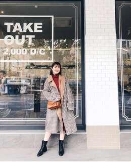 黃小米同款大衣 復古卡其色雙色拼色格紋80%羊毛綁帶大衣 格紋外套 超正點好看!