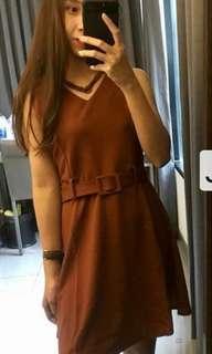 Choker Brown Dress