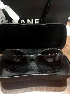 🚚 100% Authentic BN Chanel Sunglasses
