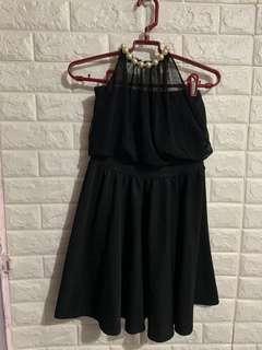 Little black dress黑色連身裙