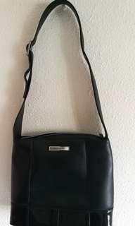 Lasting clasic pierre Cardin bag from OG