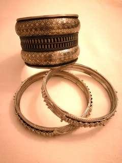 "#MGAG101 Antique / Vintage ""Silver"" Hand Cuff & Bangles"