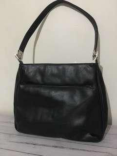 Ladies handbag (new)