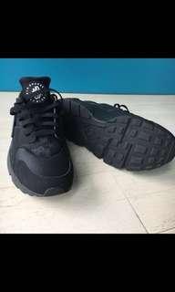 Nike Huarache US9.5