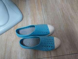 🚚 洞洞鞋