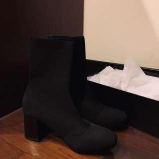 全新黑色高跟襪靴