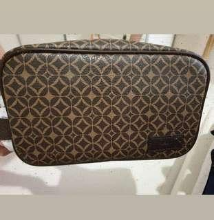Pouch pria fossil authentic
