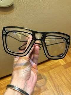 很特別類似3D款式的眼鏡(無度數)全新國外帶回