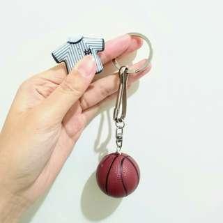 🚚 籃球鑰匙圈/吊飾  球衣磁鐵夾