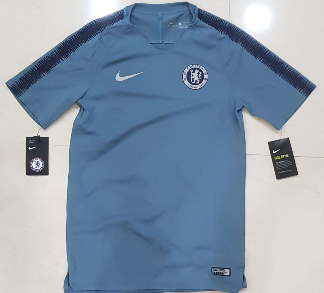 newest d0325 bd826 Chelsea Training Jersey (2018-2019), Sports, Sports Apparel ...