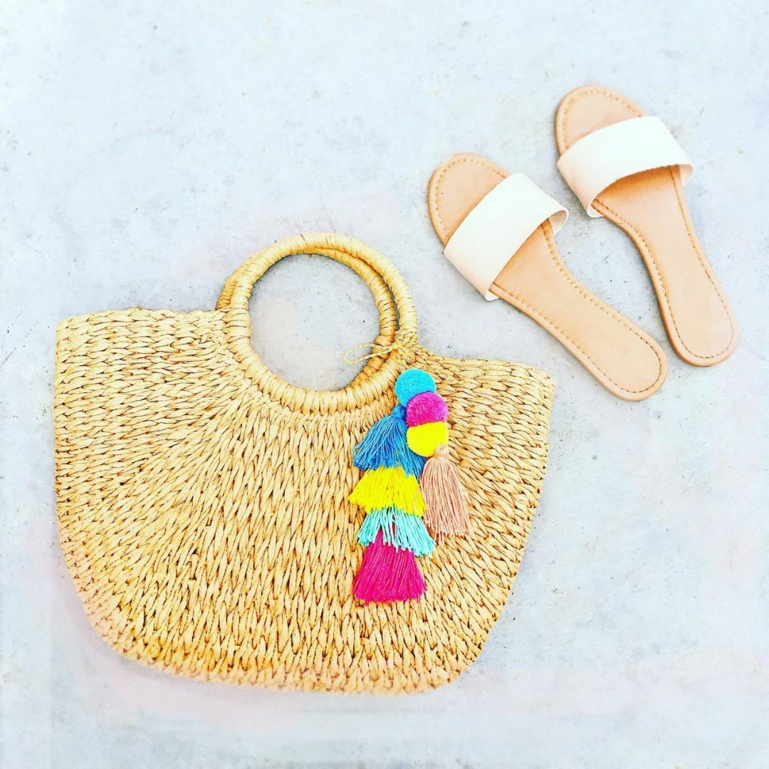 Straw Bag sling wicker big strawbag crossbody rattan woven stylish birthday present friend friends cheap gift gifts presents colleague sling strawbags colleagues girlfriend girl affordable crochet bag bags wood handle beach cny handbag hand knit knitted