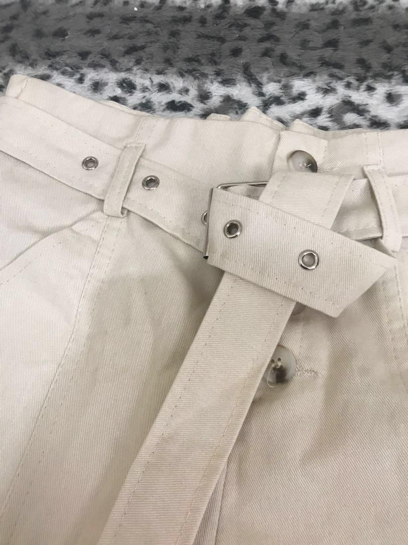 💕Make in korea 全新淺杏色高腰短褲鈕扣連belt