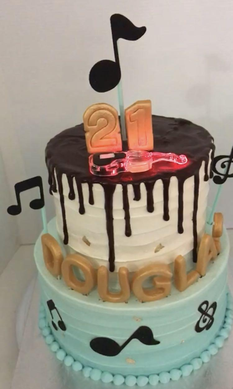 Admirable Musical Two Tier Cake For Him 21St Birthday Food Drinks Baked Funny Birthday Cards Online Elaedamsfinfo