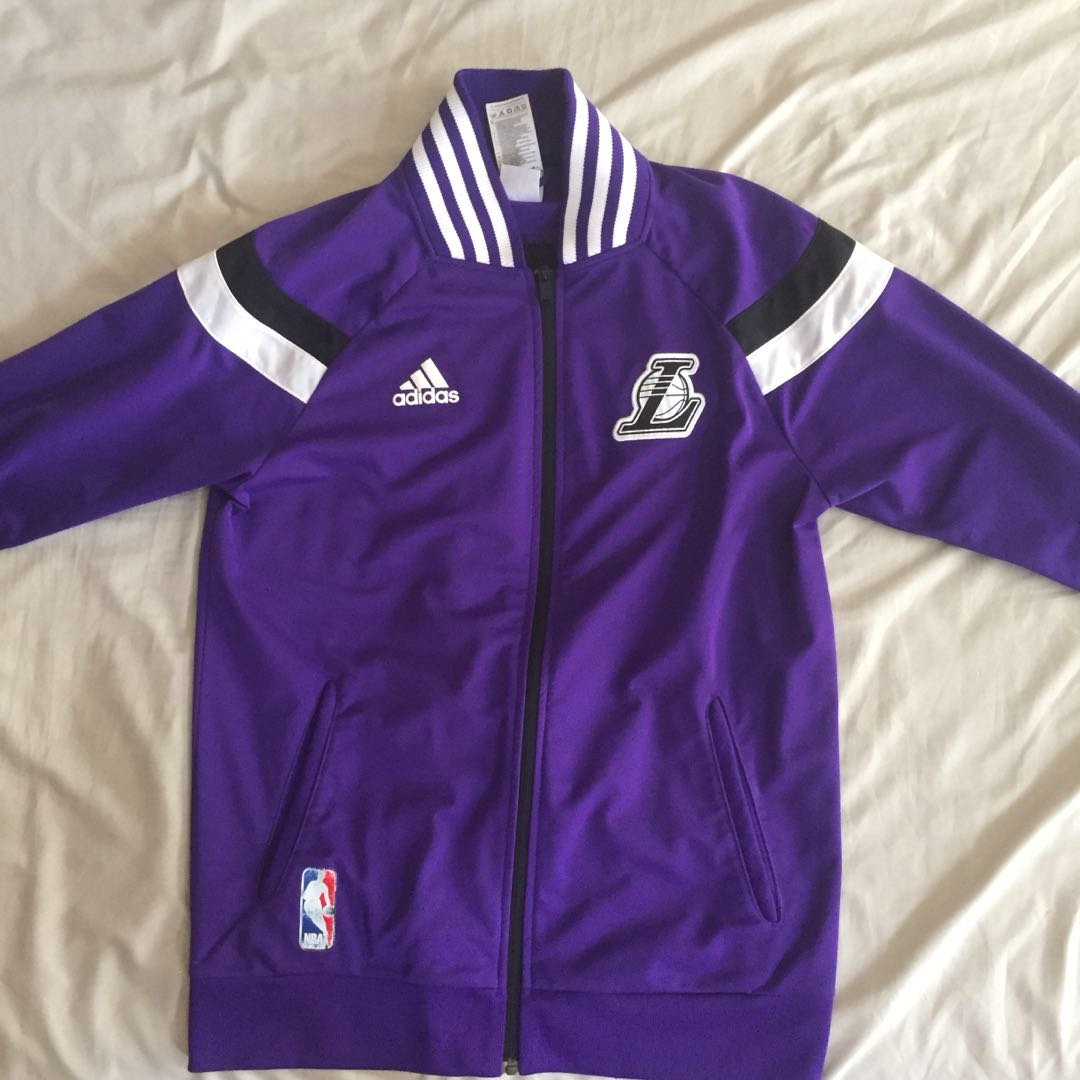 2f845bee917 Nba Lakers Warm Up Jacket (Adidas), Men's Fashion, Clothes, Outerwear on  Carousell