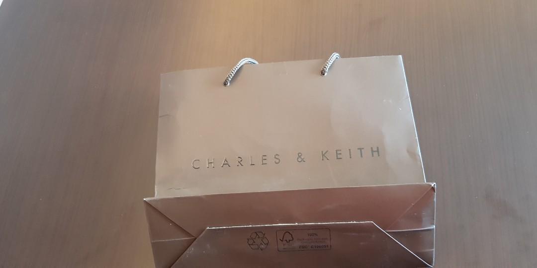 PAPER BAG CHARLES & KEITH