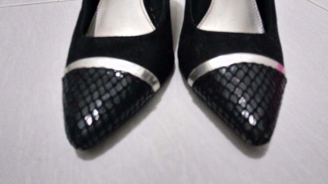 Sepatu Kerja (Payless)