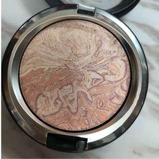 Mac Light Fantastic Powder