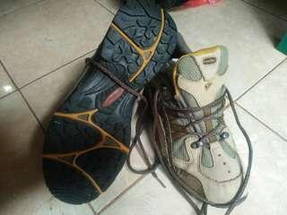 Sepatu Gunung treksta original