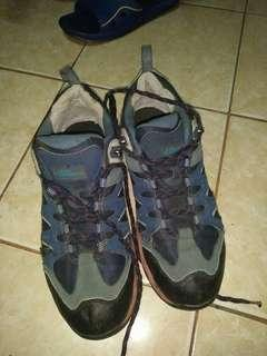 Sepatu gunung leuser time original