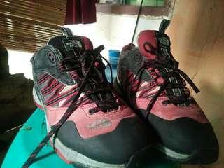 Sepatu Gunung tnf original