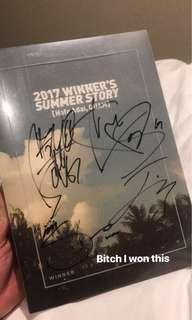 WINNER PHOTOBOOK 2017 SIGNED